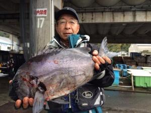 大分の佐藤さん、54cm石鯛GET