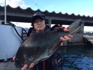 北九州の佐藤さん、49cmクロ、自己記録更新