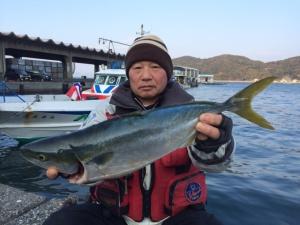 京都郡の堀川さん、良型ヤズGET