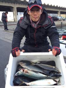 北九州の篠隈さん、大サバ、クロ、アジクーラー満タン