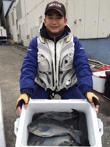 田川の白石さん、良型クロクーラー満タン