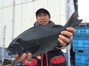 北九州の柴田さん、良型クロGET