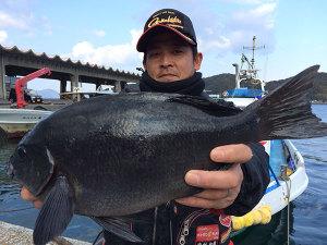 熊本の中村さん、良型クロGET
