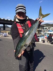 北九州の吉田さん、70cmハマチGET