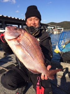 熊本の仲敷さん、57cm真鯛GET