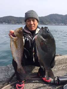 北九州の廣島さん、45cmクロ、良型イサキGET