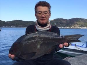 熊本の吉本さん、良型クロGET