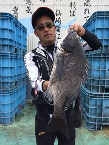 豊前の菅田さん、52.5cmチヌGET