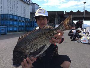 豊前の川上さん、53cmチヌGET
