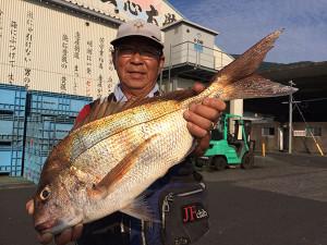 大分の実崎さん、61cm真鯛GET