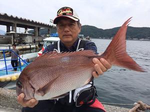 宮崎の小西さん、58cm真鯛GET