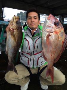 臼杵の姫野さん、良型イサキ、真鯛GET