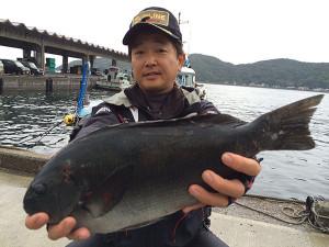 北九州の伊丹さん、46.5cmクロGET