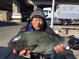 熊本の平山さん、良型クロGET