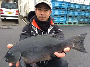 北九州の内田さん、46.5cmクロGET