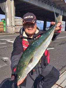 北九州の吉田さん、60cmハマチGET