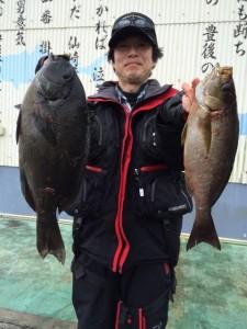 北九州の佐藤さん、良型クロ、イサキGET