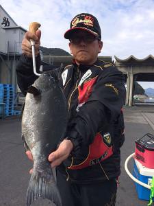 飯塚の矢住さん、44cmクロGET