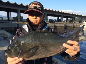 福岡の小6の山本君、45.5cmクロGET