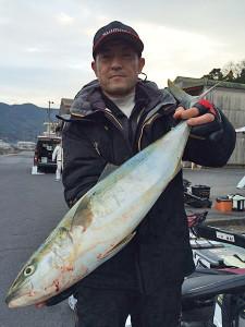 田川の林さん、70cmハマチGET