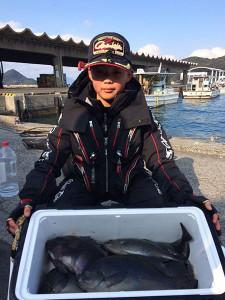 福岡の小6の山本君、クロ、石鯛釣りを楽しんだ