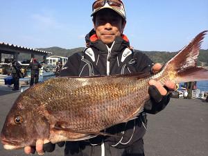 北九州の内田さん、65cm真鯛GET