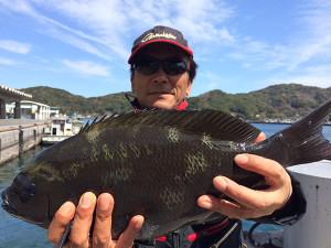熊本の松田さん、42cmクロ湾内でGET