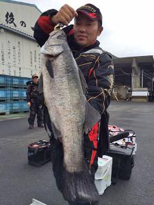 北九州の山澄さん、80cmスズキGET