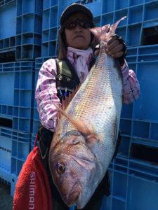 北九州の前田さん、65cm真鯛GET