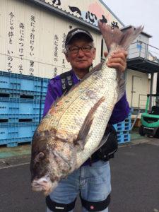別府の東保さん、85cm真鯛GET