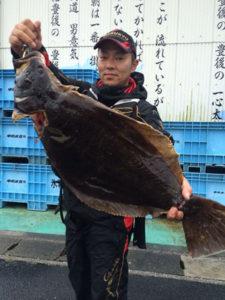 北九州の山澄さん、80cmヒラメGET