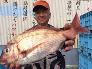 大分の藍沢さん、良型真鯛GET